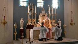 Seminary_Mass_250_1.jpg