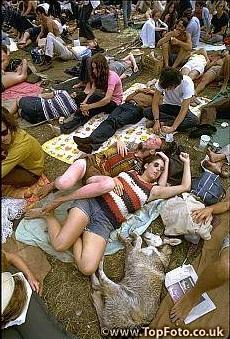 Жінки зовсім голі фото 746-240