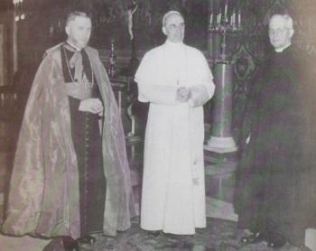 Lefebvre_PiusXII.jpg